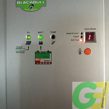 Blackbull MPPT 30A charge controller close up